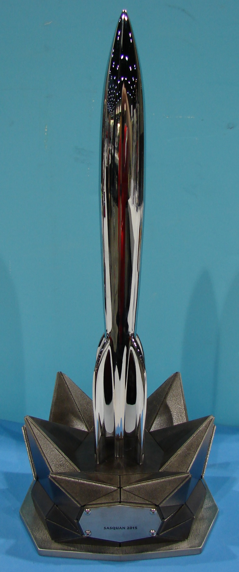 2015 Hugo Award statuette. Design by Matthew Dockrey and photo by Kevin Standlee.