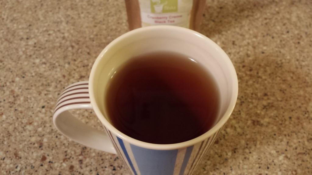 52Teas_cranberry_creme_black_tea_brew