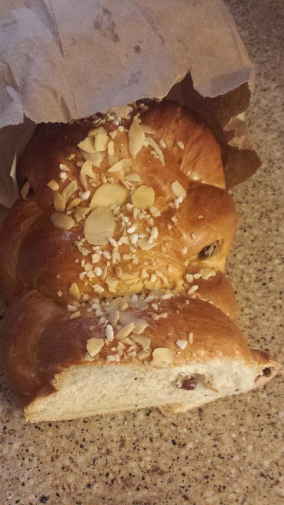 pulla_loaf